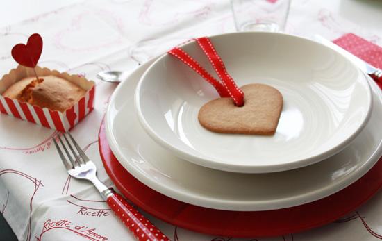 San valentino mini plumcake senza uova senza burro e mise en place in rosso life and the city - Idee tavola san valentino ...
