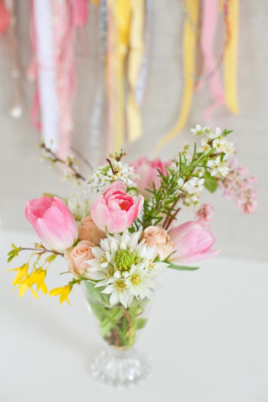 Pasqua uova colorate e fiori freschi tante idee per for Case di tronchi freschi