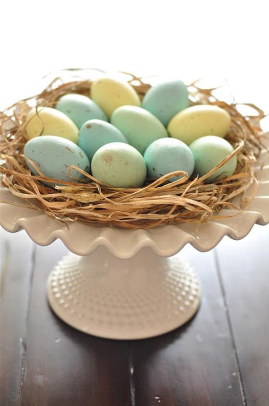 Pasqua uova colorate e fiori freschi tante idee per - Idee per decorare uova di pasqua ...