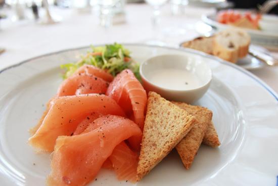 salmone_fresco_panna_acida