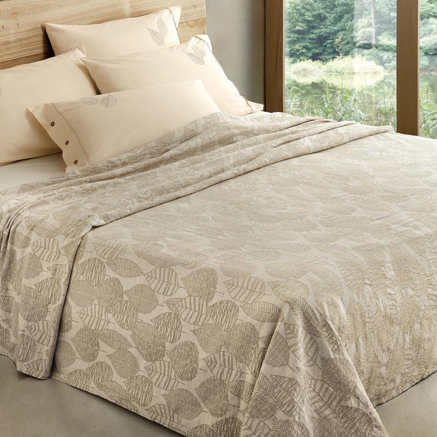 La collezione naturae di gabel porta in camera da letto la for Trapunta matrimoniale estiva