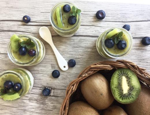 mini cheesecake in vasetto al kiwi